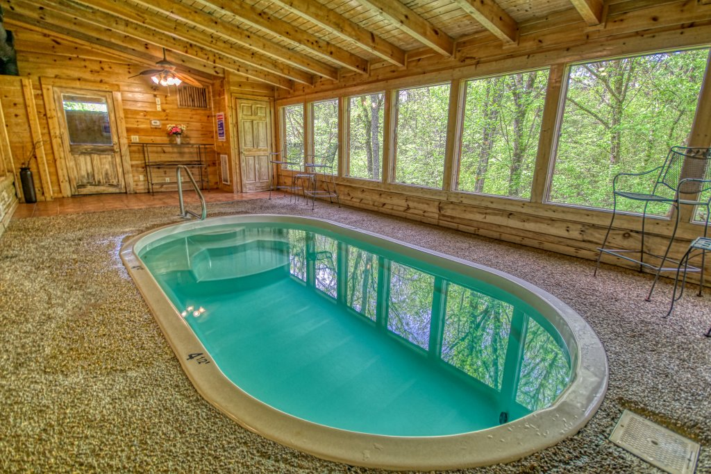Photo of a Pigeon Forge Cabin named Gone Swimmin' #260 - This is the second photo in the set.