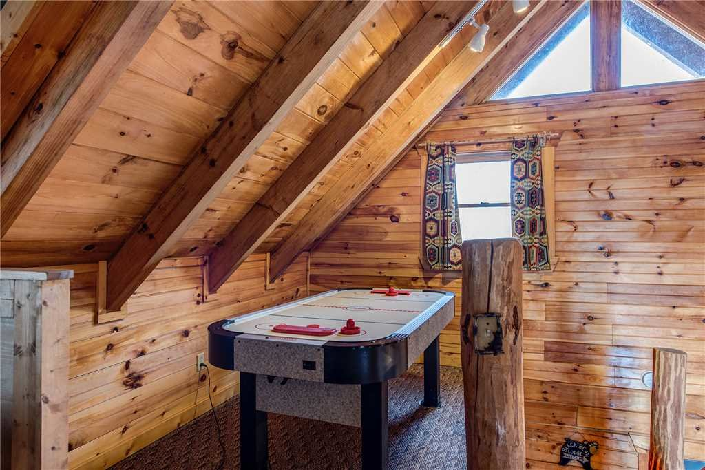 Photo of a Sevierville Cabin named Peaceful Mountain Gem - This is the sixth photo in the set.