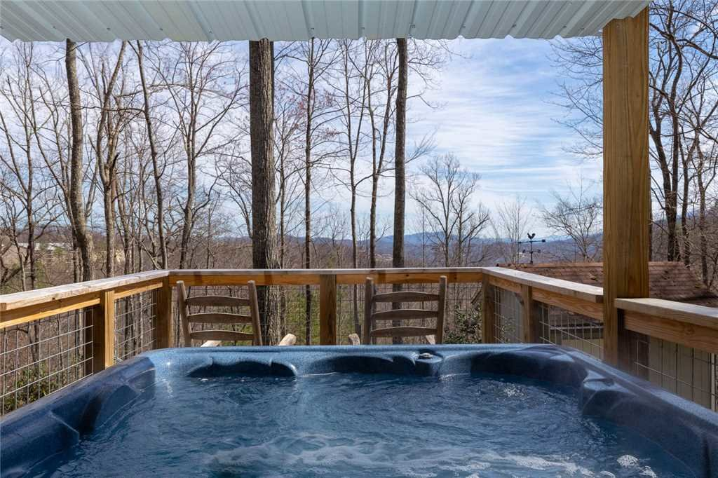 Photo of a Gatlinburg Cabin named Bear View Chalet - This is the twenty-fourth photo in the set.
