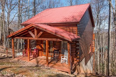 2 Bedroom, 3 Bath, Pet-friendly Value Cabin For Six With A Hot Tub & Pool Table.