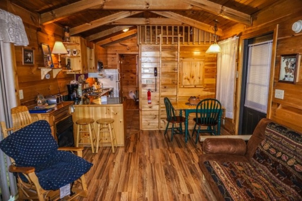 Photo of a Gatlinburg Cabin named Cozy Cabin - This is the second photo in the set.