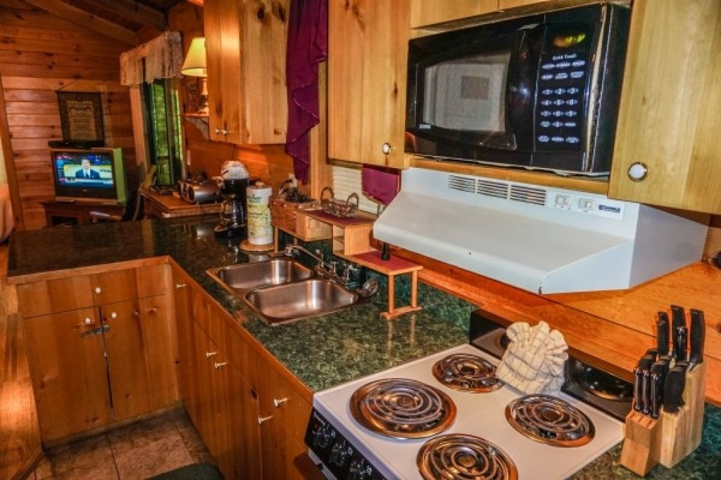 Photo of a Gatlinburg Cabin named Cozy Cabin - This is the seventh photo in the set.