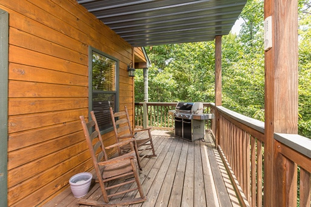 Photo of a Pigeon Forge Cabin named Stones Throw - This is the seventh photo in the set.
