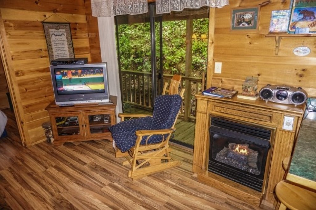 Photo of a Gatlinburg Cabin named Cozy Cabin - This is the fourth photo in the set.