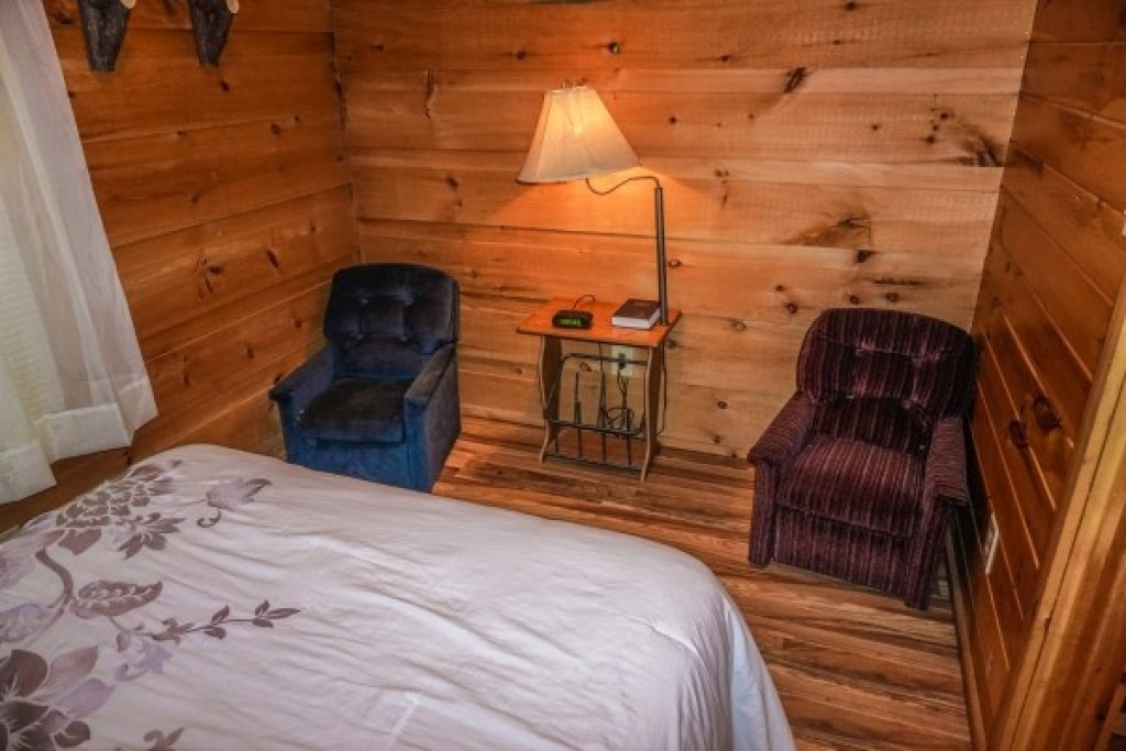 Photo of a Gatlinburg Cabin named Cozy Cabin - This is the thirteenth photo in the set.