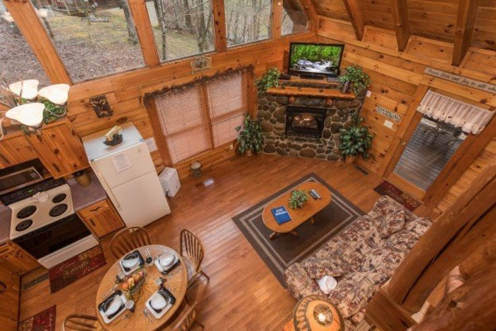 Photo of a Gatlinburg Cabin named Gettin' Lucky - This is the twelfth photo in the set.