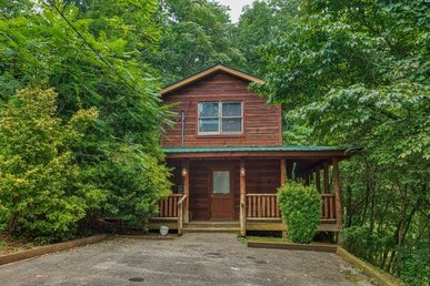 1 Bedroom, 1.5 Bath, Semi-secluded, Economical Cabin For 6 With A Hot Tub.
