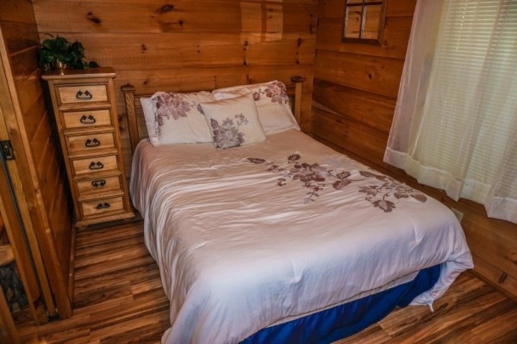 Photo of a Gatlinburg Cabin named Cozy Cabin - This is the twelfth photo in the set.