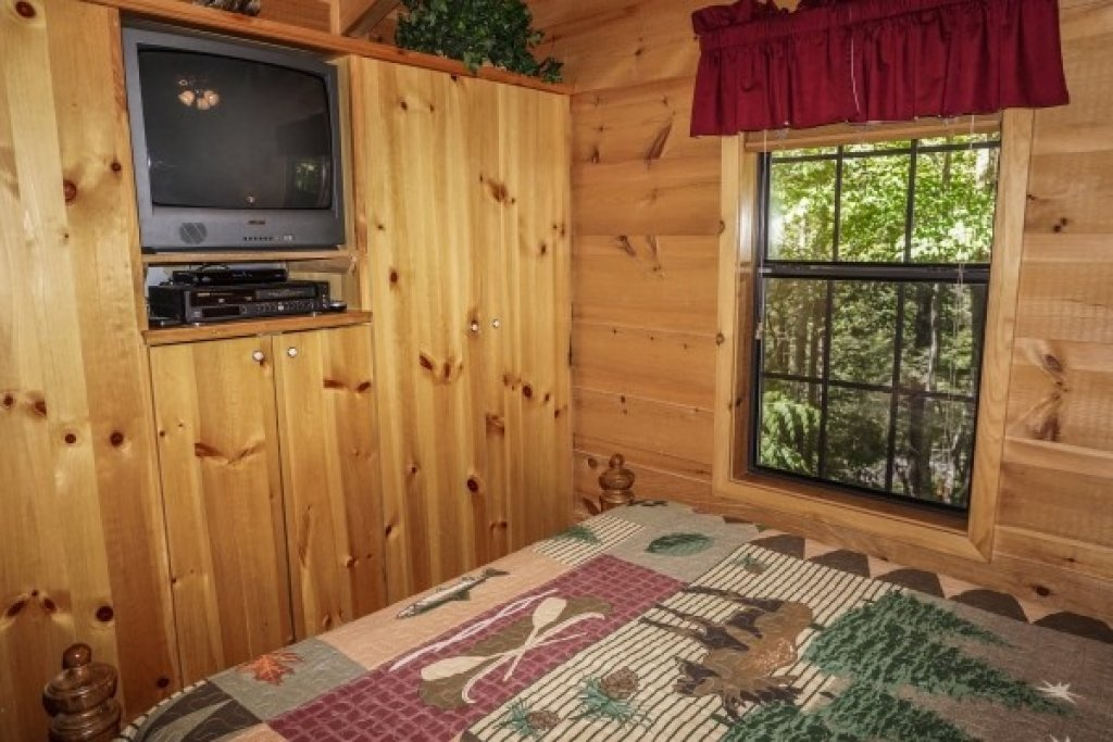 Photo of a Gatlinburg Cabin named Seclusion - This is the thirteenth photo in the set.
