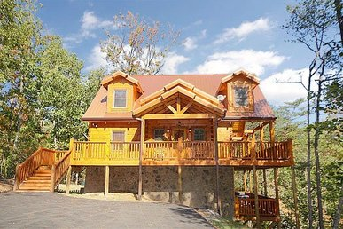 3 Bedroom, 3 Bath Luxury Plus Cabin For 10 With Incredible Amenities & A View.