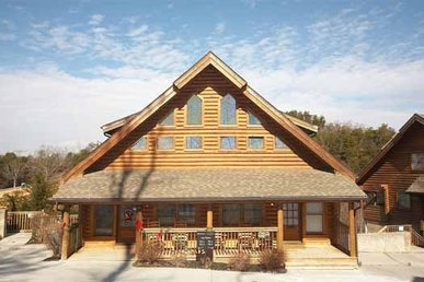 2 Bedroom, 2.5 Bath Duplex Cabin In A Resort, Easy To Access And Close To Town.