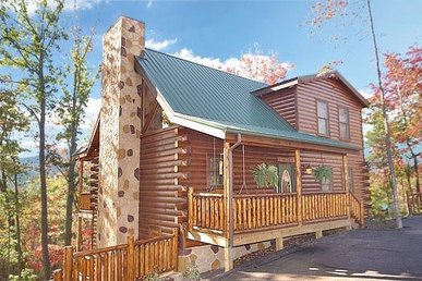 3 Bedroom, 3 Bath Deluxe Cabin For 14 With Unbelievable Amenities In A Resort.