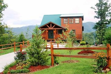 3 Bedroom, 3 Bath Luxury Plus Cabin For 10 With Incredible Mountain Views.