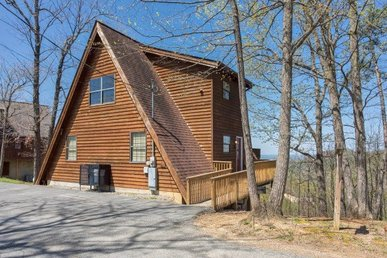 1 Bedroom, 2 Bathroom With A Lofted Master Suite And Incredible Mountain View.