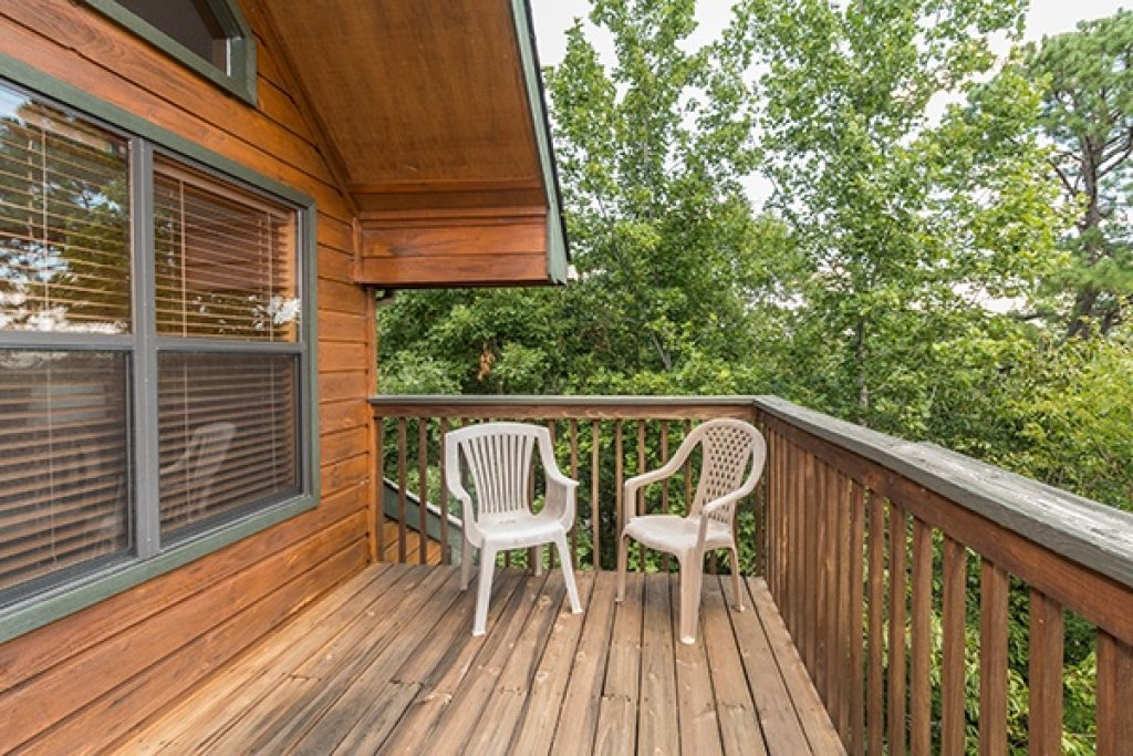 Photo of a Pigeon Forge Cabin named Stones Throw - This is the twenty-fifth photo in the set.