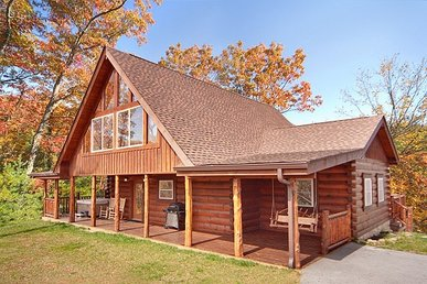 2 Bedroom, 3.5 Bath Luxury Cabin For 6 With A Hot Tub & Incredible Mountain View