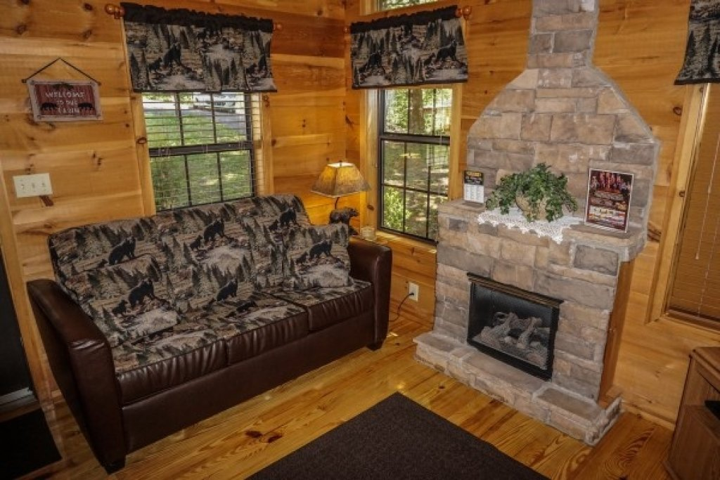 Photo of a Gatlinburg Cabin named Seclusion - This is the fifth photo in the set.