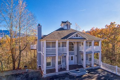 8 Bedroom, 8.5 Bath Chalet Close To Gatlinburg With Great Views In Every Room.