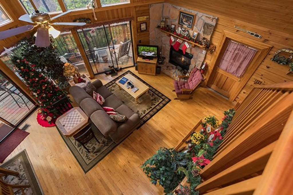 Photo of a Sevierville Cabin named R & R Hideaway - This is the sixteenth photo in the set.