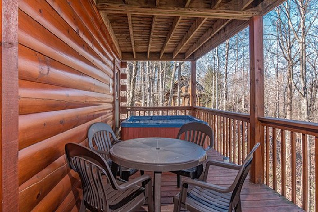 Photo of a Gatlinburg Cabin named Sunny Side Up - This is the eighth photo in the set.