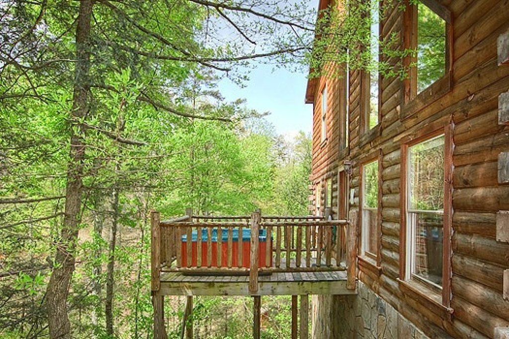 Photo of a Gatlinburg Cabin named Trapper's Trace - This is the thirteenth photo in the set.