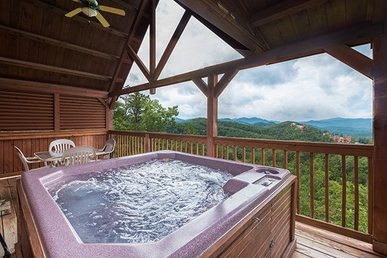 2 Bedroom, 2 Bath Deluxe Pigeon Forge Cabin With Incredible Mountain Views.