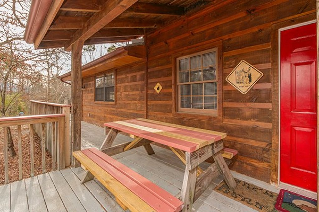Photo of a Pigeon Forge Cabin named Beary Good Time - This is the tenth photo in the set.