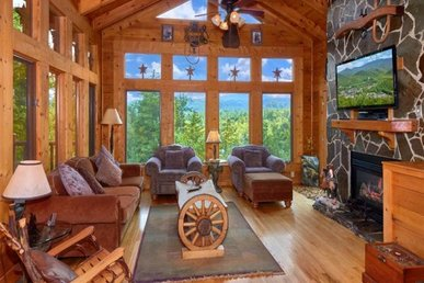 3 Bedroom, 3 Bath Luxury Cabin For 9, Great For Families. Incredible Views!