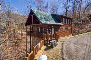 2 Bedroom, 2 Bathroom With Expansive Master Suite In Pigeon Forge Resort Setting
