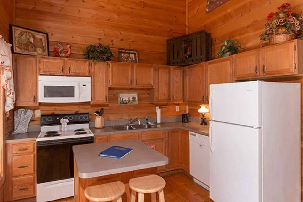 Photo of a Gatlinburg Cabin named Sunny Side Up - This is the sixth photo in the set.