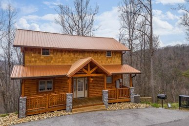 2 Bedroom, 2 Bath, Brand New Luxury Plus Cabin With A Mountain View.