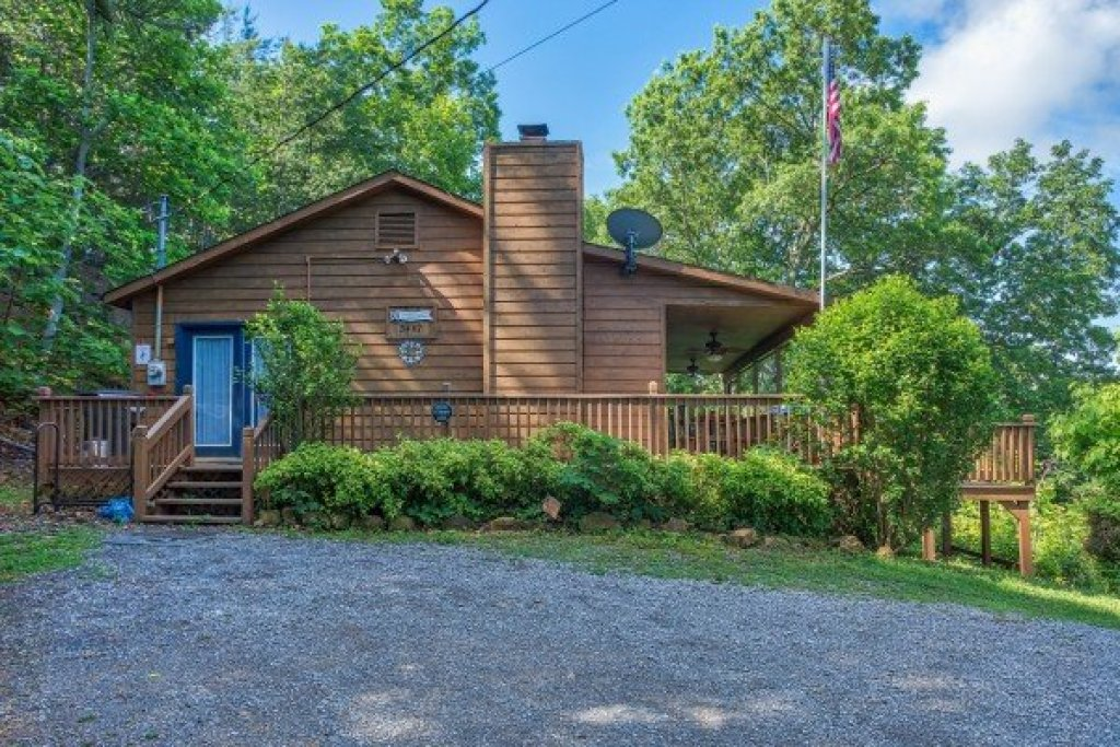 Photo of a Pigeon Forge Cabin named America's View - This is the twentieth photo in the set.