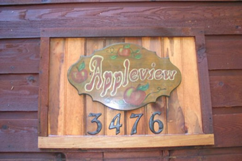 Photo of a Pigeon Forge Cabin named Apple View - This is the twenty-sixth photo in the set.