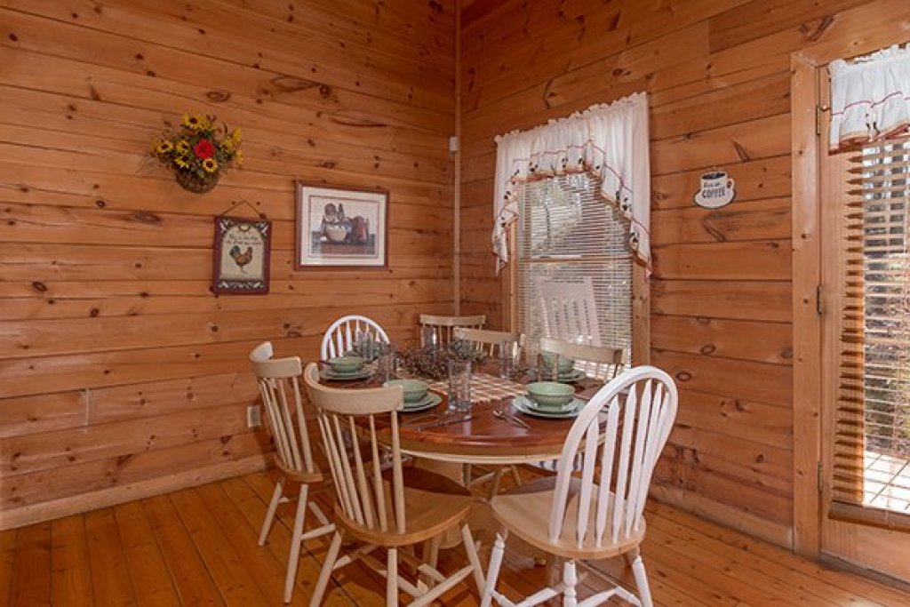Photo of a Gatlinburg Cabin named Sunny Side Up - This is the seventh photo in the set.