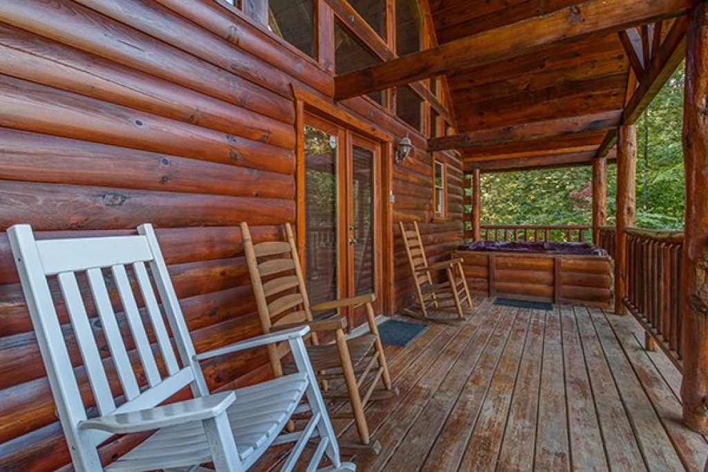 Photo of a Gatlinburg Cabin named Lincoln Logs - This is the fifteenth photo in the set.