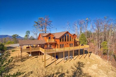 4 Bedroom, 3.5 Bath For 13 With Incredible Mountain Views In A Resort Setting.