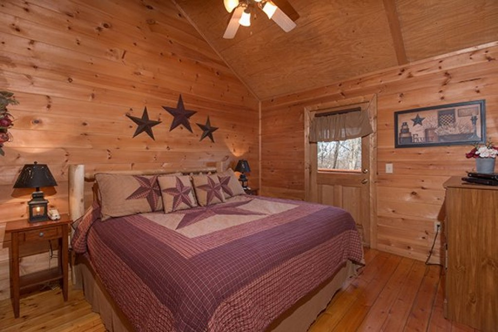 Photo of a Gatlinburg Cabin named Sunny Side Up - This is the twelfth photo in the set.