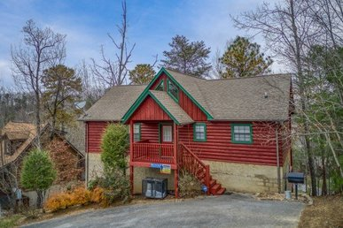 4 Bedroom, 3.5 Bath Cabin For 14 In A Resort Setting Close To Dollywood.