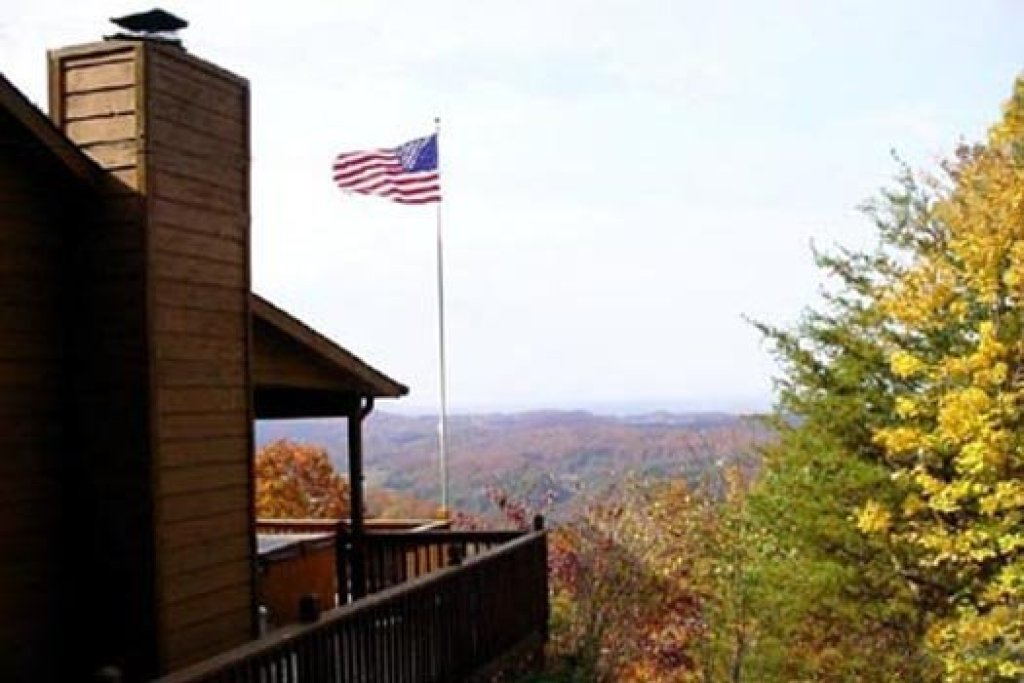 Photo of a Pigeon Forge Cabin named America's View - This is the twenty-first photo in the set.