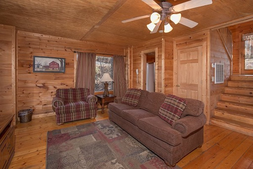 Photo of a Gatlinburg Cabin named Sunny Side Up - This is the third photo in the set.