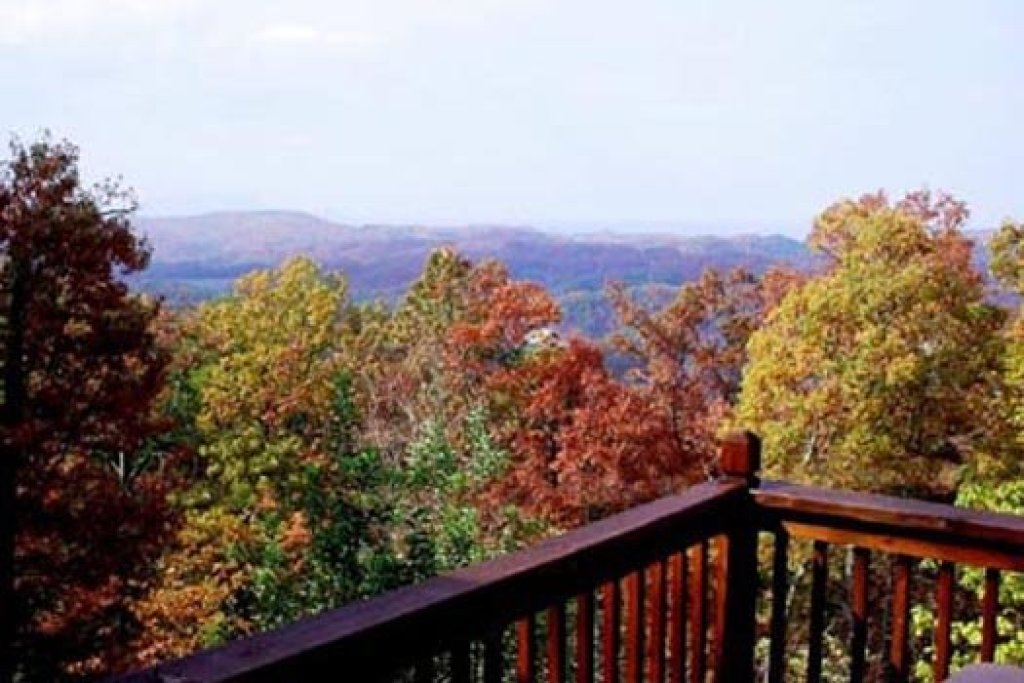 Photo of a Pigeon Forge Cabin named Apple View - This is the nineteenth photo in the set.