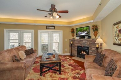2 Bedroom, 2 Bath Luxury Condo Only A Few Minutes' Walk From Downtown Gatlinburg