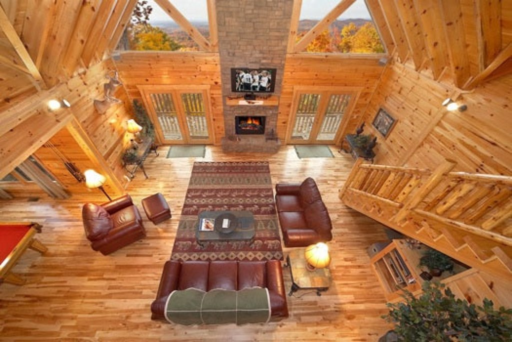 Photo of a Gatlinburg Cabin named Big Sky Lodge - This is the third photo in the set.