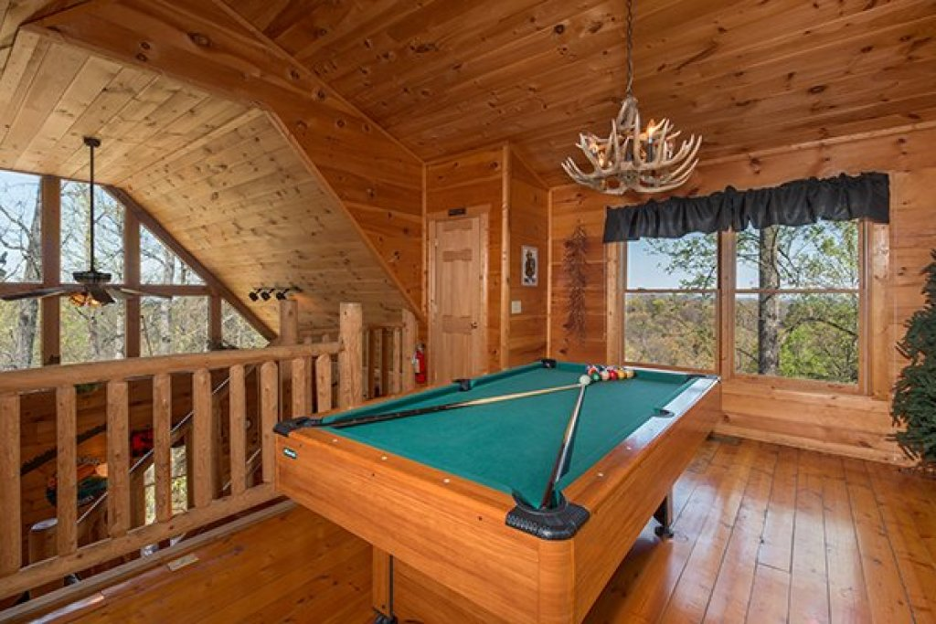 Photo of a Gatlinburg Cabin named Lumber Jack Lodge - This is the eleventh photo in the set.