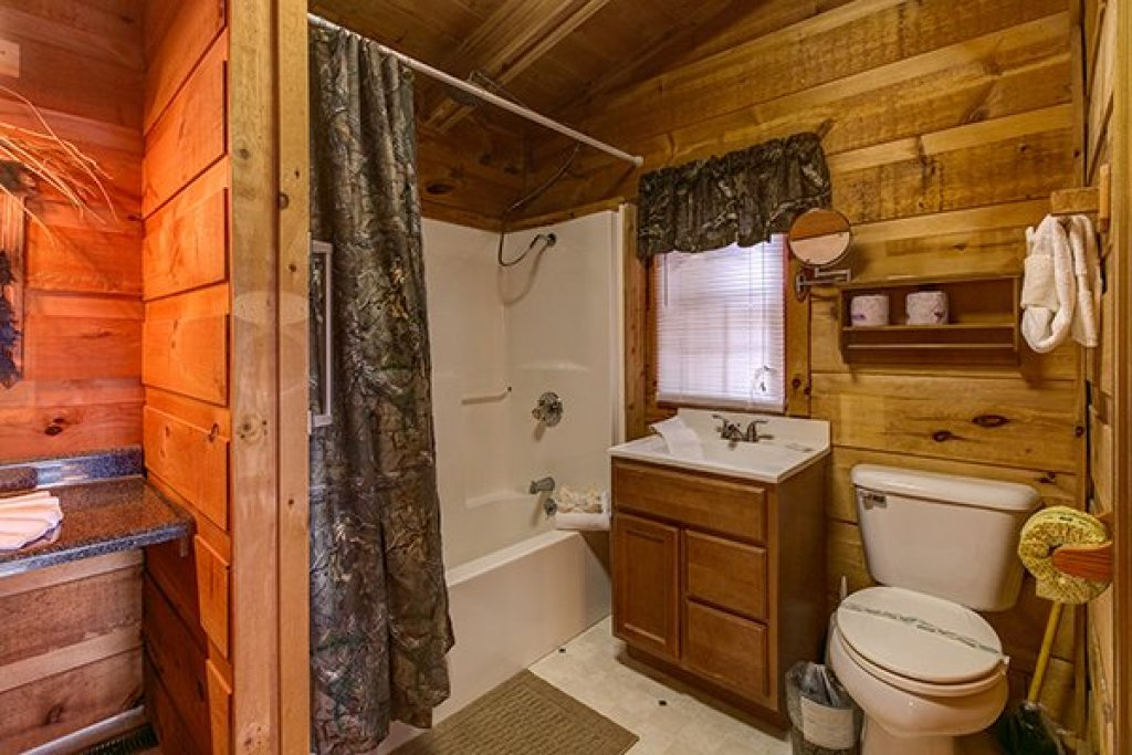 Photo of a Pigeon Forge Cabin named Beary Good Time - This is the eleventh photo in the set.
