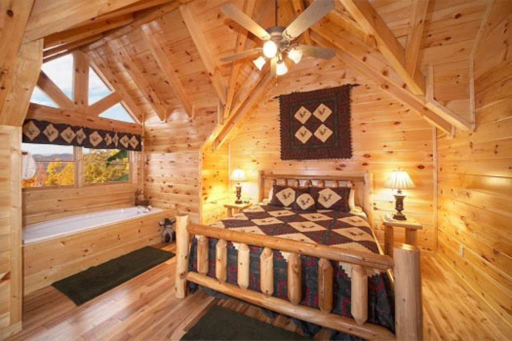 Photo of a Gatlinburg Cabin named Big Sky Lodge - This is the thirteenth photo in the set.