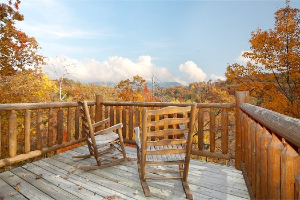 Photo of a Gatlinburg Cabin named American Dream - This is the third photo in the set.