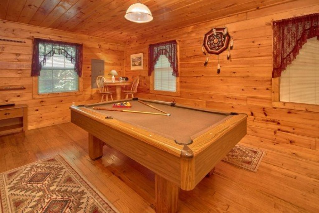 Photo of a Pigeon Forge cabin named Dream Catcher - This is the sixth photo in the set.