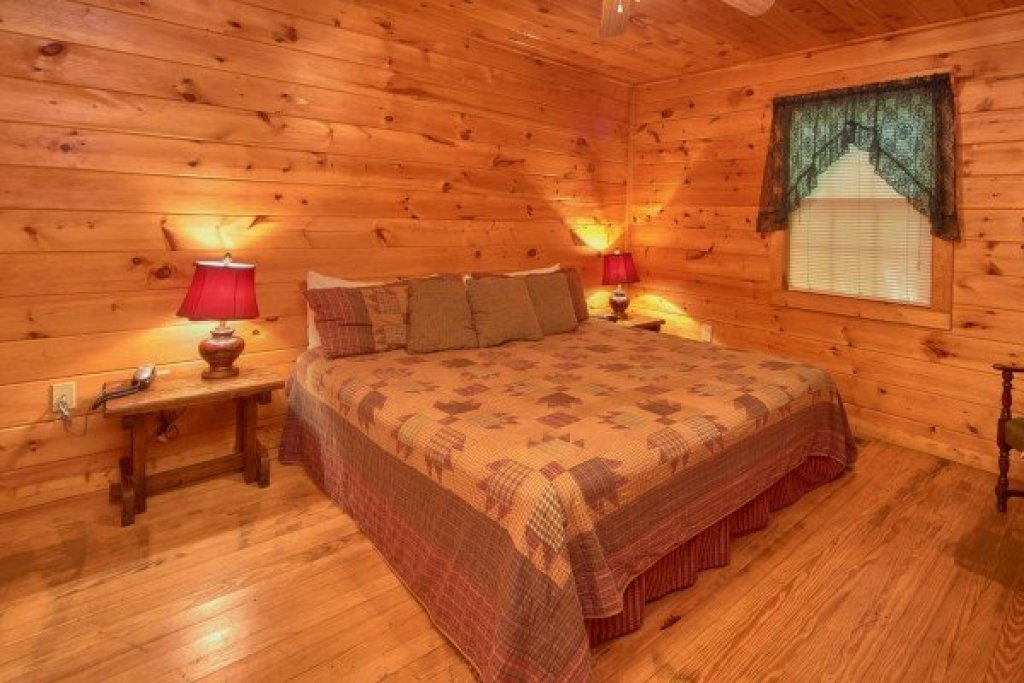 Photo of a Pigeon Forge cabin named Dream Catcher - This is the seventh photo in the set.