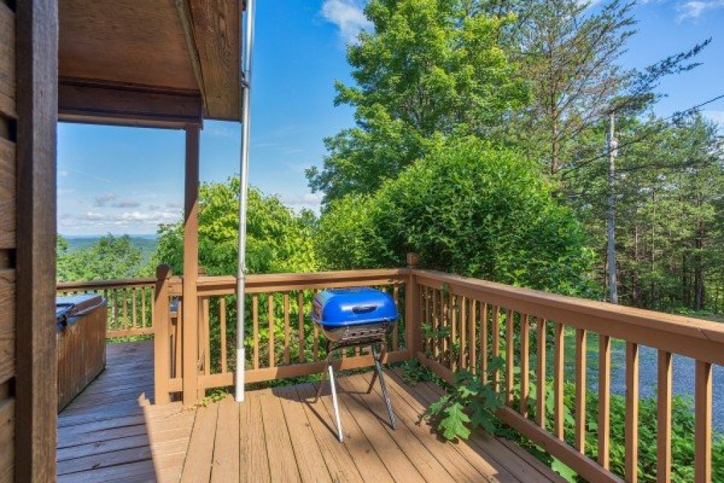 Photo of a Pigeon Forge Cabin named America's View - This is the eleventh photo in the set.